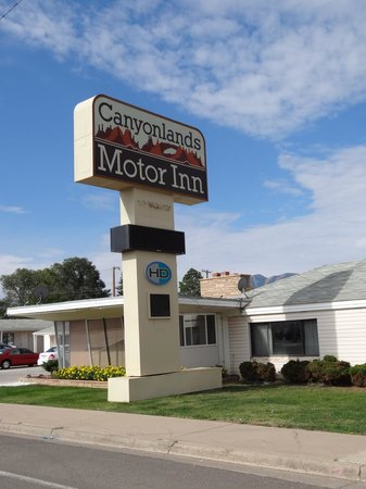canyonlands motor inn in monticello utah