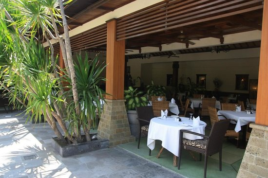 Risata Bali Resort &amp; Spa:                   Restaurant