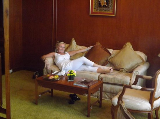 The Tawana Bangkok:                   Lounge area of junior suite