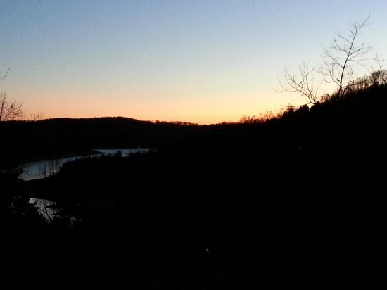 Beaver Lakefront Cabins:                   Relaxing sunset