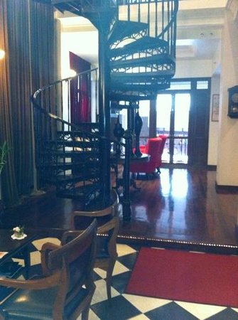 Shanghai Mansion Bangkok:                   Reception with staircase to the Cotton restaurant and Jazz club