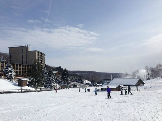 Seven Springs Mountain Resort: Practice Area and Tower in the background