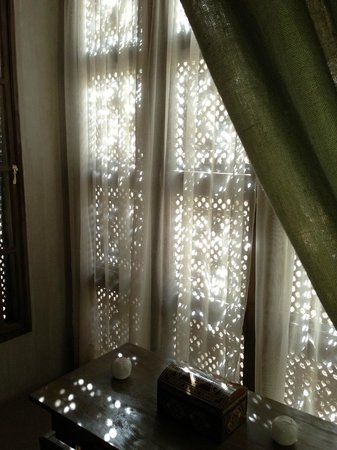 Riad Joya:                   Window dressinh