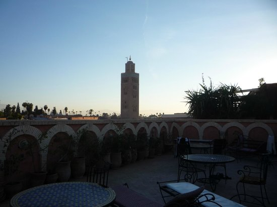 Hotel Salsabil:                   La vue du toit sur le minaret