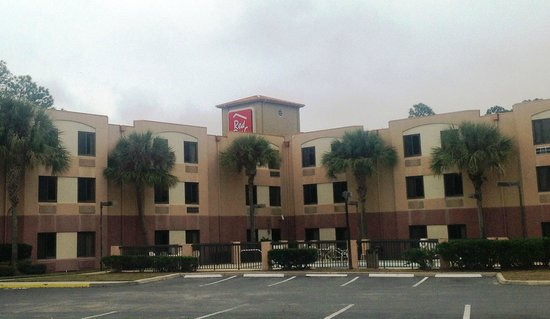 Red Roof Inn Palm Coast: Inn Exterior