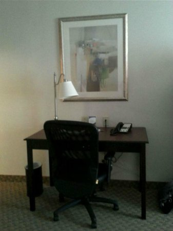 Hampton Inn Syracuse Clay:                   Desk area