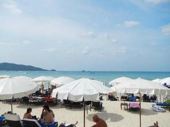 Patong Bay Garden Resort:                   View from breakfast