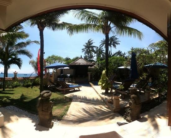 Nusa Indah Bungalows:                                     View from the Restaurant