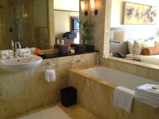 Mandarin Oriental, Miami:                   Bathroom
