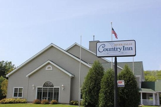 Country Inn River Falls: Exterior