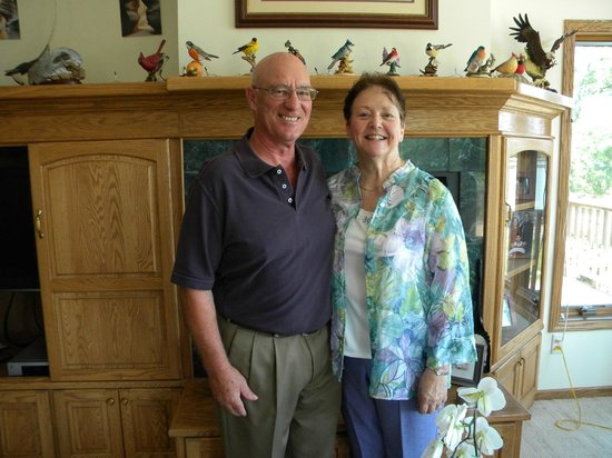 The River Nest B&B: Your hosts, Carol and Bill