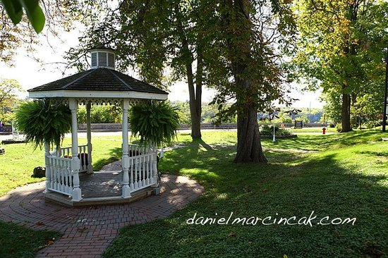 Chestnut Inn: Gazebo