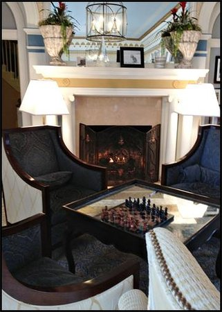 The Grande Colonial La Jolla:                   Lobby - Sitting area by the fireplace - very cozy!