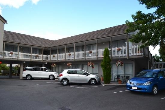 Accolade Lodge Motel: 2 bedroom apartment located on bottom floor