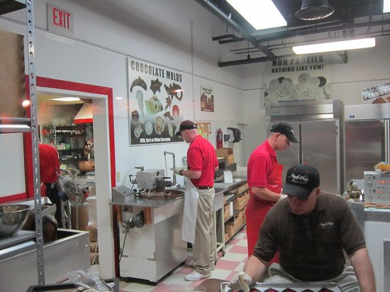 Angell And Phelps Chocolate Factory Tour
