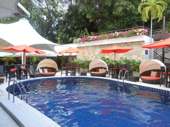 Radisson Hotel Brunei Darussalam:                   The pool