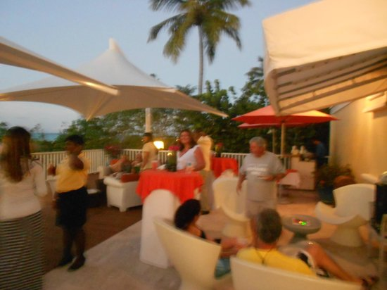 Alexandra Resort:                                     Deck during manager's reception (very nice and low key)