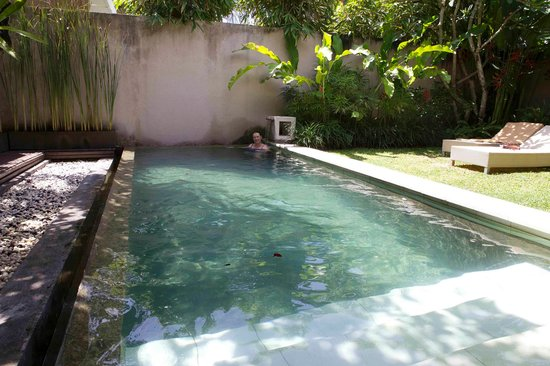Uma Sapna:                   Pool Villa