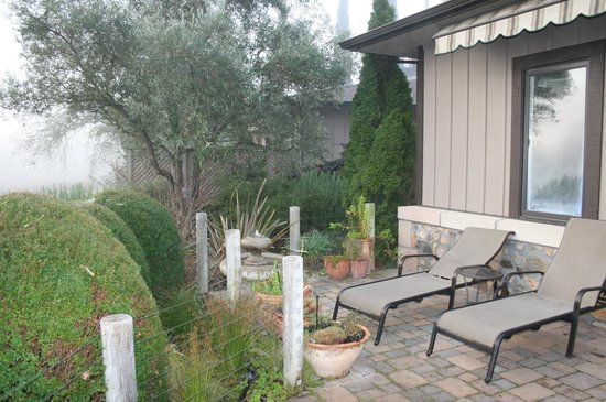 The Wine Country Inn:                   Kate's cottage private patio