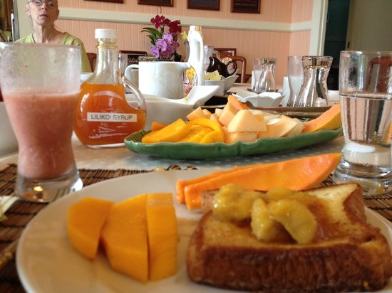 Amazingly delicious breakfast at Hilo Honu Inn