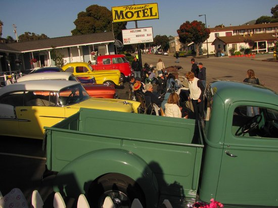 Pleasant Inn Motel: Our Fun Guests During Car Show Week