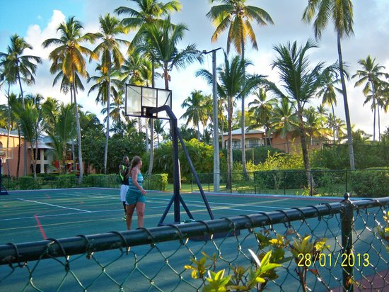 Barcelo Dominican Beach:                                     Basket