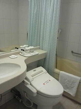 Busan Tourist Hotel: Unit_Bath