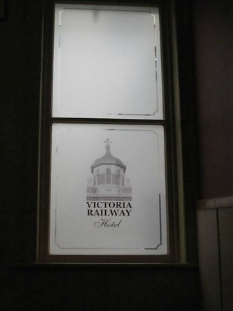 Victoria Railway Hotel: Frosted Glass Window at the Hotel