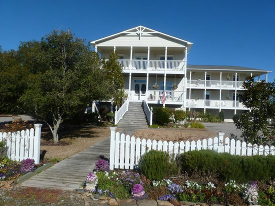 Front of The Sunset Inn