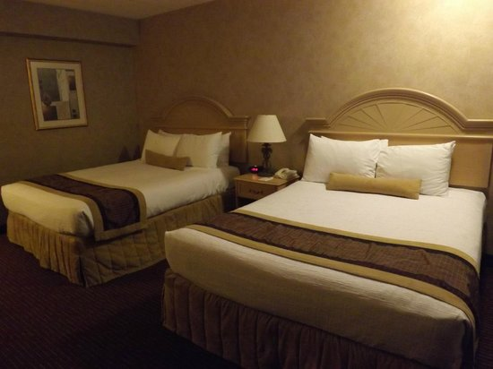 BEST WESTERN PLUS Cairn Croft Hotel: Two queen beds