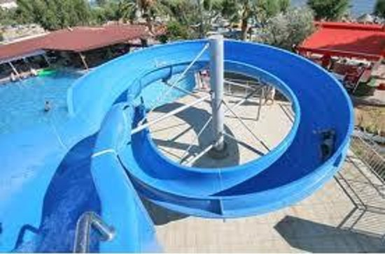 Ayaz Hotel:                   the pool whit slide