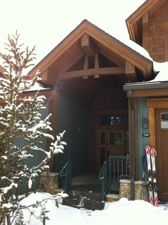 Mountain Thunder Lodge: Front Door