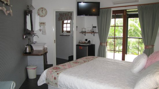 Allara Homestead Bed & Breakfast: The well equipped room