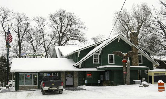 Eagle River, WI: Front of Lumpy's from road