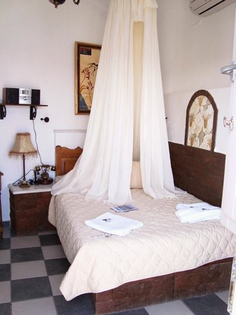 Filotera Suites: Our cozy room, the Patitiri