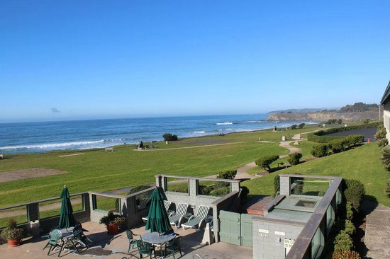 BEST WESTERN PLUS Cavalier Oceanfront Resort:                   View from our room