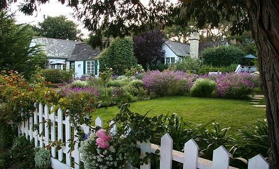 Lincoln Green Inn - Carmel CA Cottages - Romantic and Elegant