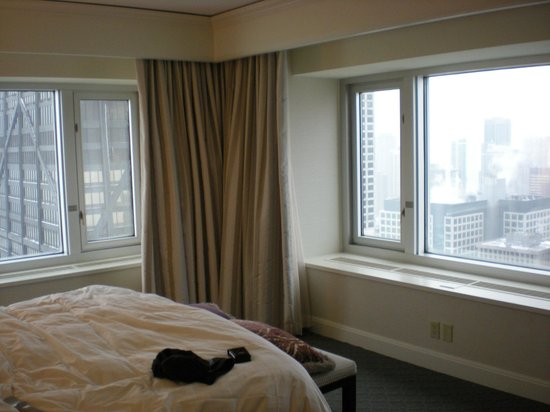 Four Seasons Hotel Chicago:                   Lake View Room