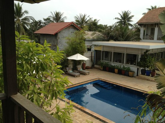 Bambu Battambang Hotel:                   View of the salt water pool from our balcony