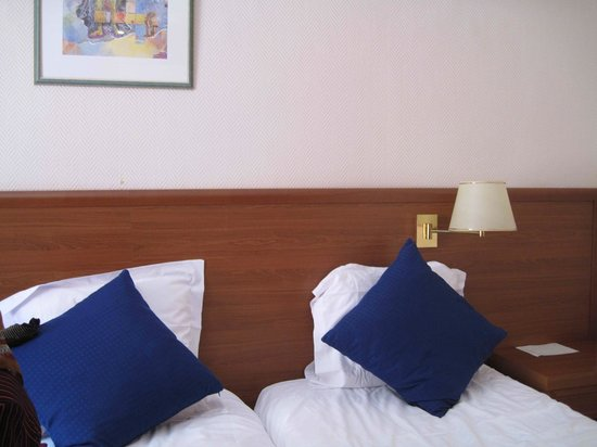 Univers Hotel:                   double room