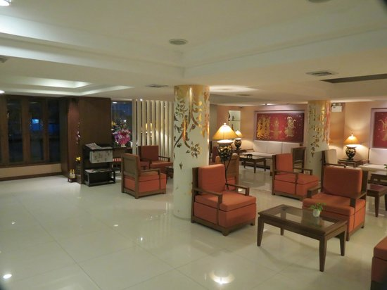 Mariya Boutique Residence at Suvarnabhumi Airport:                   Reception