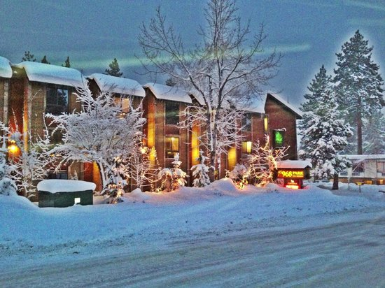 968 Park Hotel:                   Lovely snowy evening at 968 Park