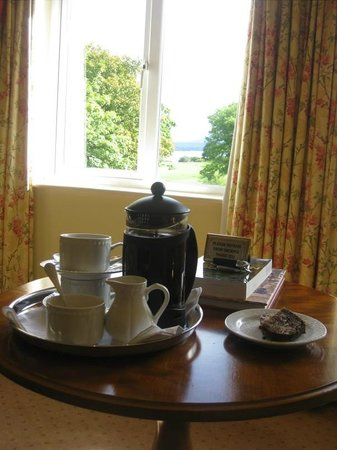 Loch Lein Country House: Coffee and Brown Bread Upon Arrival