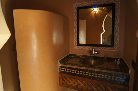 La Rose Du Desert: Bathroom