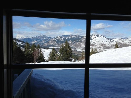 Sun Mountain Lodge:                   View from our room !