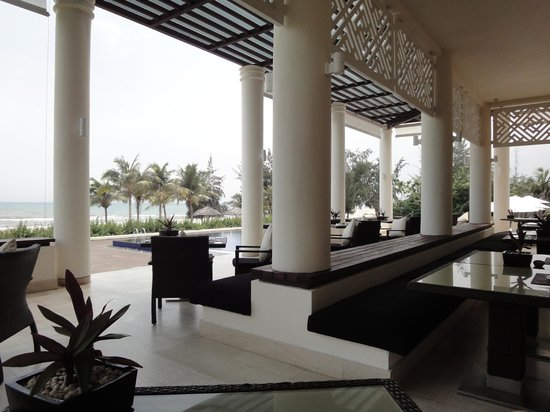 Princess d&#39;Annam Resort &amp; Spa: Outdoor dining area, with views of the ocean