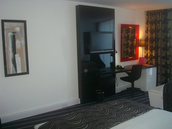 Crowne Plaza Manchester City Centre: Nice, clean room.