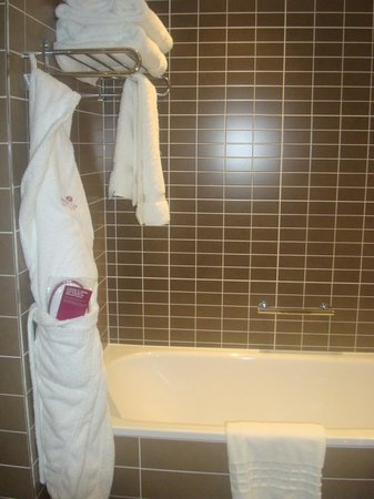 Crowne Plaza Manchester City Centre: Comfy, fluffy towels.