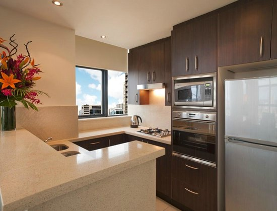 Meriton Serviced Apartments Pitt Street: Typical Kitchen