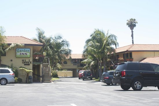 Garden Inn & Suites